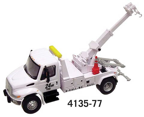 BOLEYTOWTRUCKINWHITE.JPG