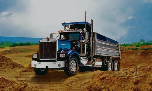 REVELL GERMANY Kenworth Dump Truck Plastic Model Kit